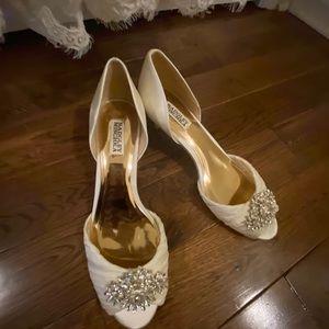 badgley mischka Ivory Special Occasion Heels